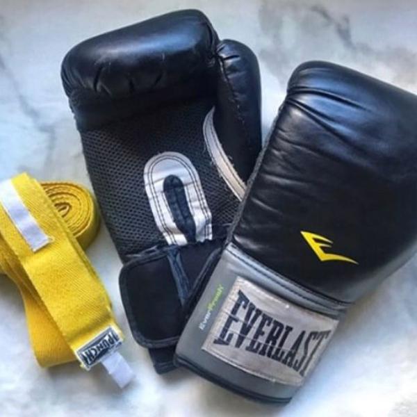 Luva box e muay thai everlast 12oz tamanho g