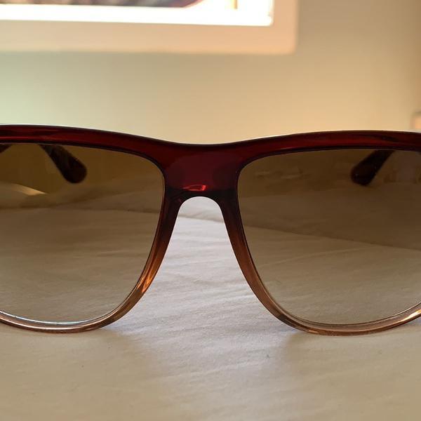 Oculos de sol ray ban super conservado!
