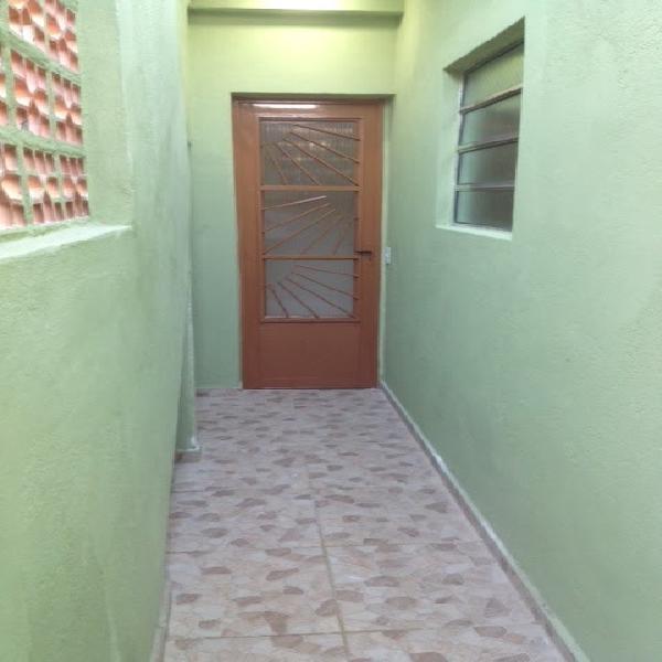 Casa com 2 quartos para alugar, 70 m² por r$ 980/mês cod.