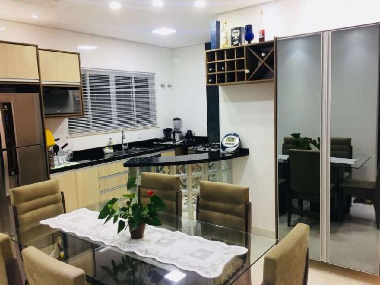 Casa com 3 quartos à venda, 220 m² por r$ 490.000 cod.