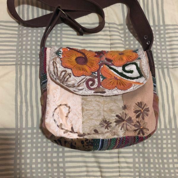 Bolsa feita à mão