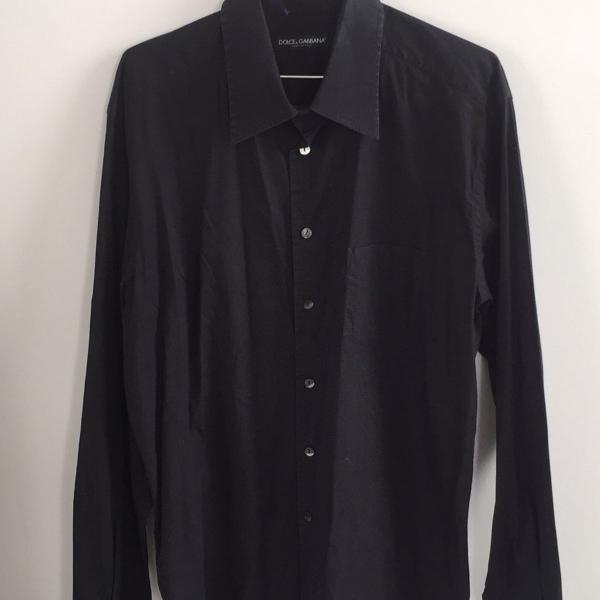 Camisa preta masculina