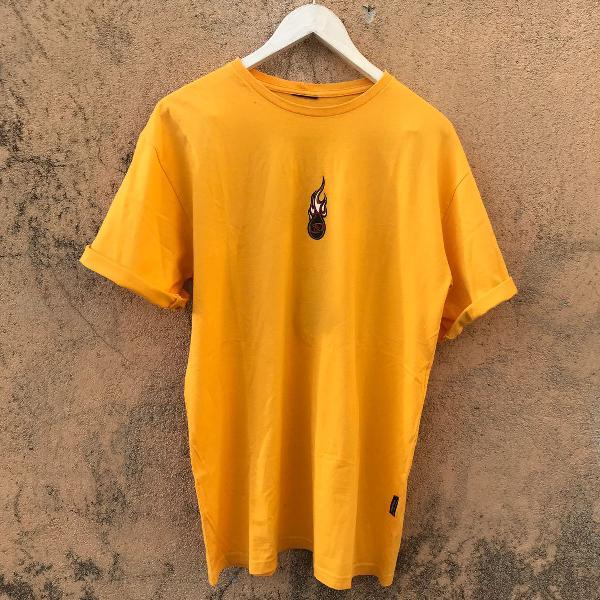 Camiseta fogo no surf