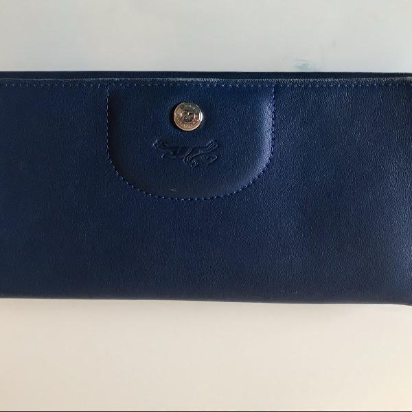Carteira da longchamp azul marinho.