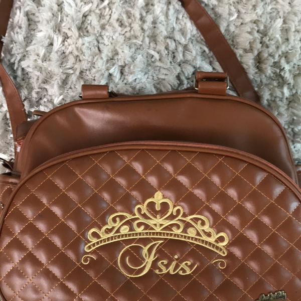 Linda bolsa maternidade está perfeita com nome ísis