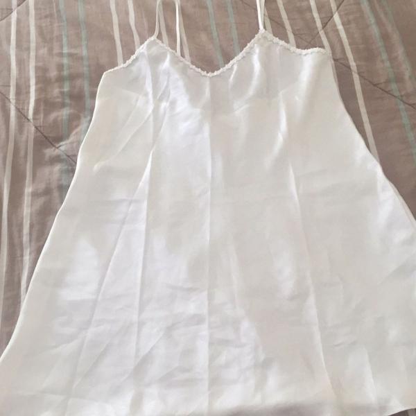 Camisola em cetim branca