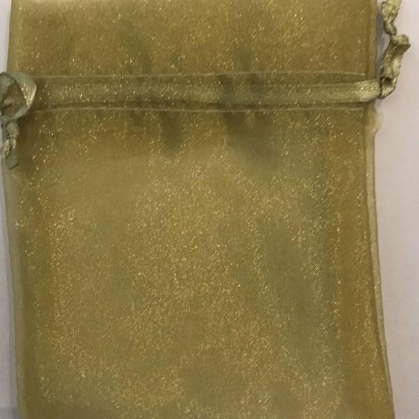 Kit com 20 saquinhos de organza dourados