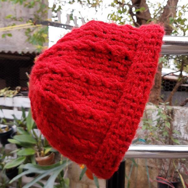 Touca vermelha crochê artesanal