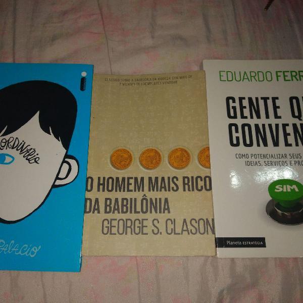 Três livros