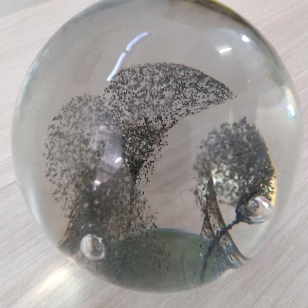 Decoração em vidro - esfera peso para papel
