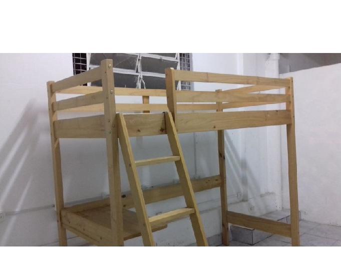 Linda cama alta com escada e mesa acoplada => super nova