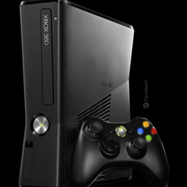 Xbox 360 original (com kinect) - manete com capinha e jogos