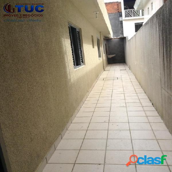 Casa térrea com 2 dorms-churrasqueira,quintal-jd canhema diadema