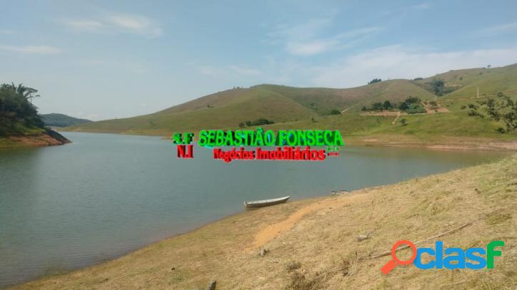 Sítio na beira da Represa de Paraibuna, com casa 1
