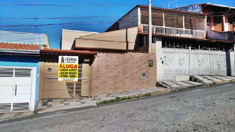 Casa com 2 quartos para alugar, 70 m² por r$ 1.600/mês