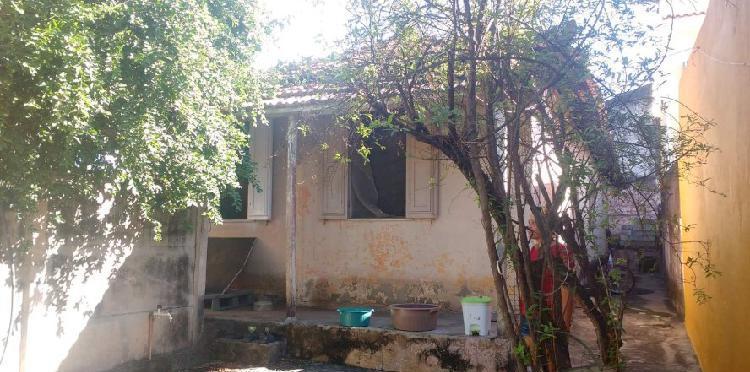 Casas no Rocha Miranda com quintal e 2 lojas na frente