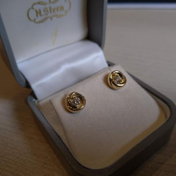 Brinco h.stern ouro 18k + brilhantes