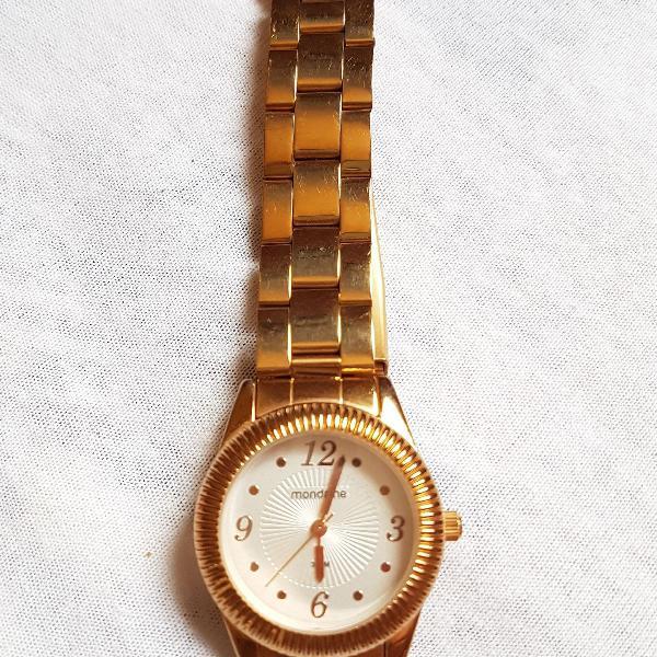 Relógio moderno mondaine