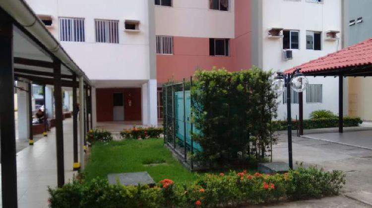 Apartamento com 3 quartos para alugar, 65 m² por r$