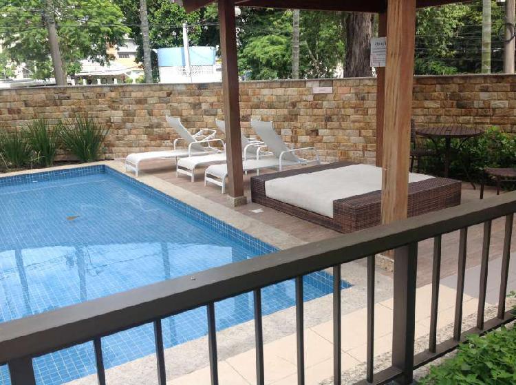 Apartamento com 4 quartos para alugar, 105 m² por r$