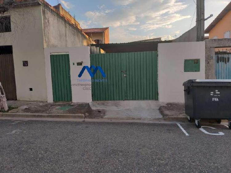 Casa com 3 quartos para alugar, 180 m² por r$ 1.000/mês