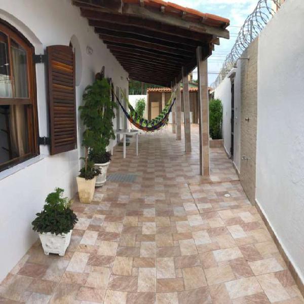 Casa com 3 quartos para alugar, 180 m² por r$ 1.200/dia