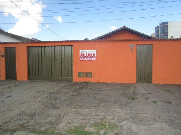 Casa com 4 quartos para alugar, 240 m² por r$ 1.700/mês