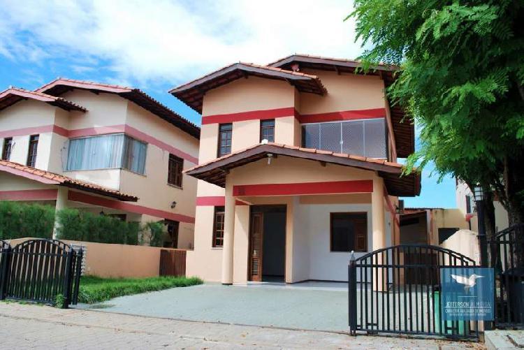 Casa de condomínio com 3 quartos à venda, 140 m² por r$