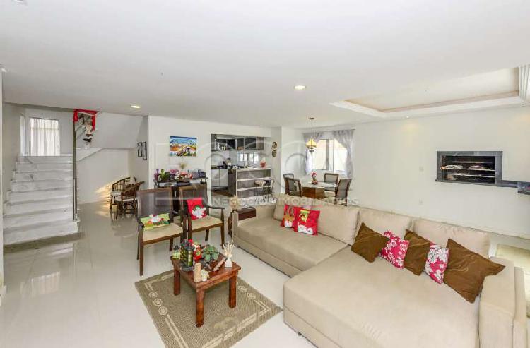 Casa de condomínio com 3 quartos à venda, 220 m² por r$