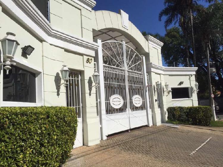 Casa de condomínio com 3 quartos para alugar, 220 m² por