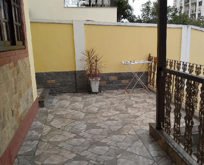 Excelente casa duplex com 3 qtºs na taquara-jacarepaguá