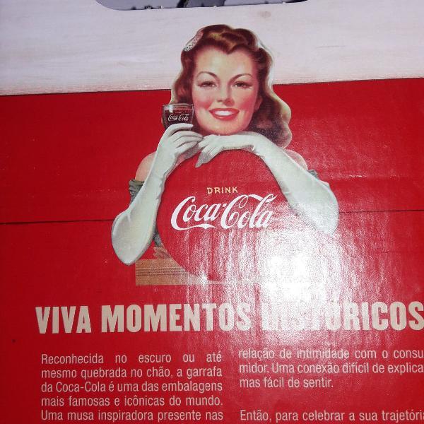 Coleção de garrafas vintages de coca cola