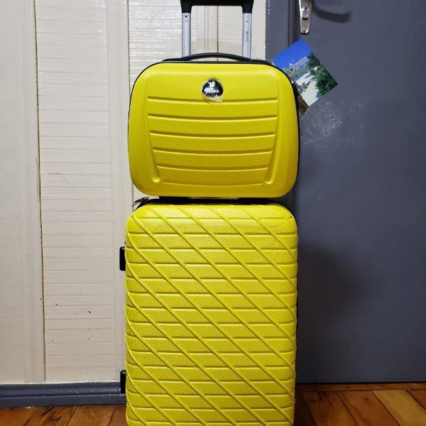 Kit mala de bordo de 10kgs e frasqueira