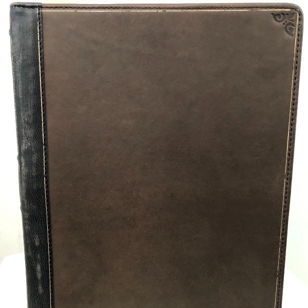 Porta tablet em formato de livro