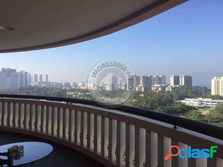 Apartamento com 3 quartos + dependência - Barra da Tijuca