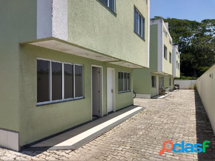 Belo triplex 2 quartos - extensão do bosque - casa triplex para locação no bairro extenção do bosque - rio das ostras, rj - ref.: ro99669