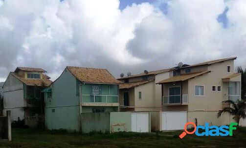 Duplex 2 qts frente à praia - casa duplex para locação no bairro peixe dourado - rio das ostras, rj - ref.: in25585