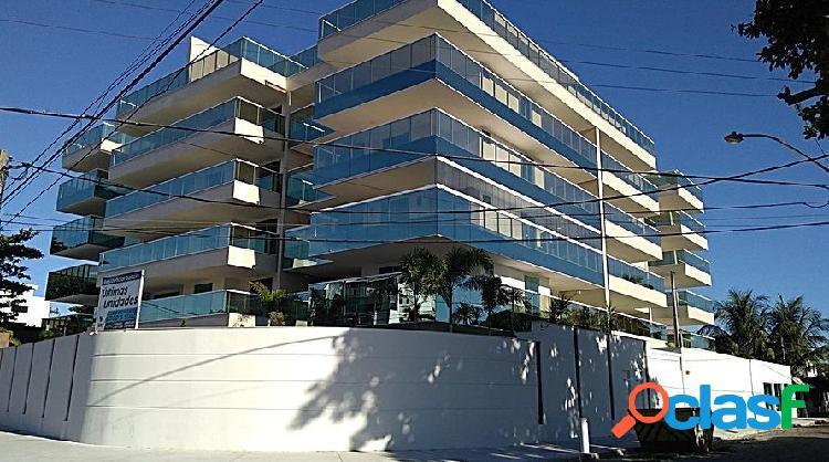 Esplêndido apartamento térreo de luxo 3 quartos - costa azul - apartamento alto padrão para locação no bairro costazul - rio das ostras, rj - ref.: ro25669