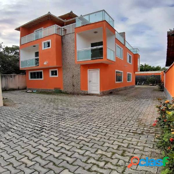 Lindo triplex 3 suítes - costa azul - casa em condomínio para locação no bairro costazul - rio das ostras, rj - ref.: ro32357