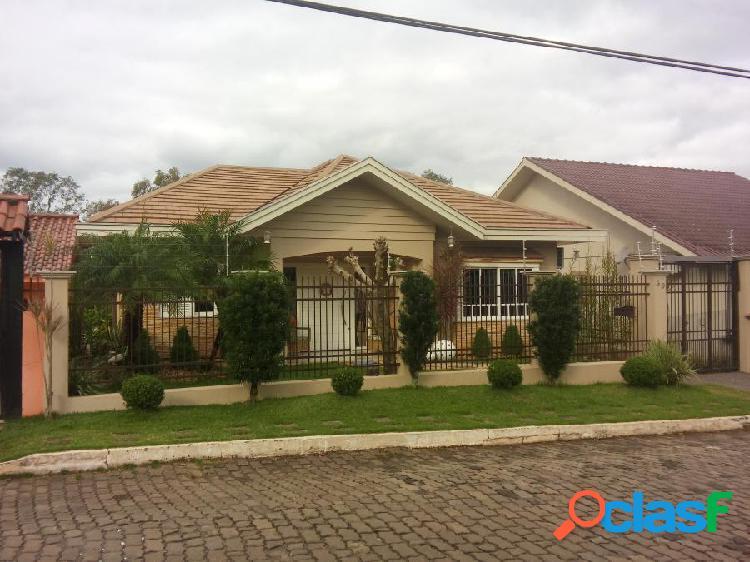 Casa 04 Dormitórios - Casa a Venda no bairro Universitário - Lajeado, RS - Ref.: 95