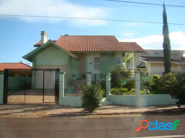Casa 03 Dormitórios sendo 01 Suíte - Casa a Venda no bairro Alto Do Parque - Lajeado, RS - Ref.: 541