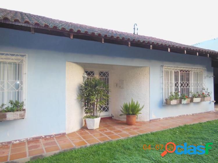 Ampla residência - Casa a Venda no bairro Salto - Blumenau, SC - Ref.: 6