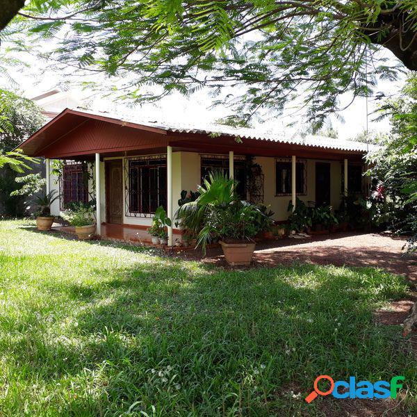 Casa de esquina em santa helena pr - casa a venda no bairro centro - santa helena, pr - ref.: se35163