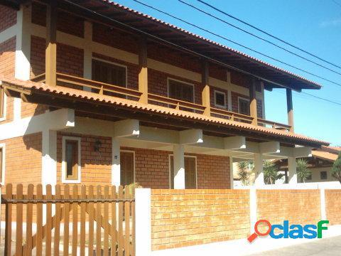03 dormitórios, central - perto de tudo! - casa para temporada no bairro ingleses - florianópolis, sc - ref.: da053