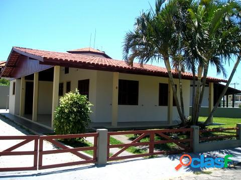 Casa a 100 m. do mar - area nobre - casa para temporada no bairro ingleses - florianópolis, sc - ref.: da017