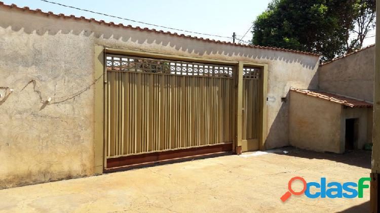 Casa térrea c/ quintal e ampla garagem - casa para aluguel no bairro engenheiro carlos de lacerda chaves - ribeirão preto, sp - ref.: alu0007
