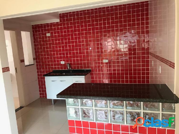 Kitnet na vila aurora contendo um dormitório, sala, cozinha e lavanderia