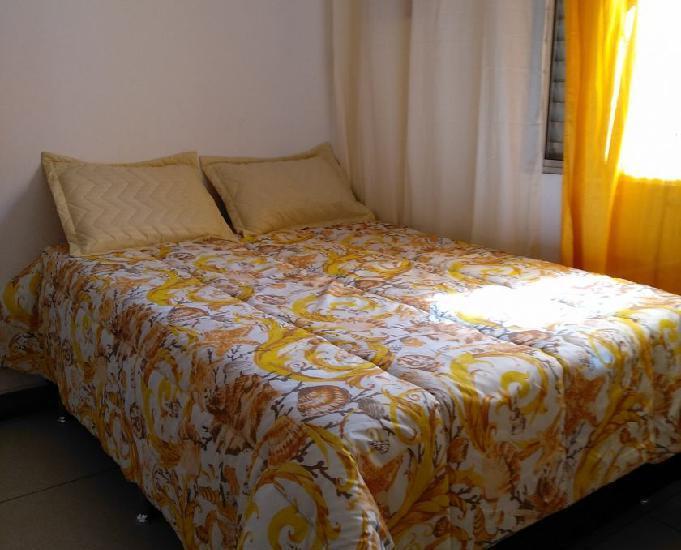 Alugo quarto mobilhado de casal em casa compartilhada