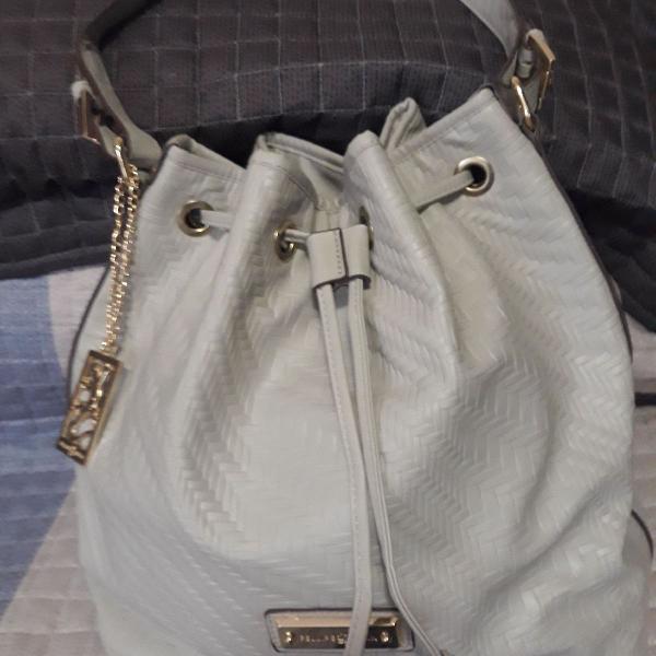 Bolsa saco, tamanho médio, cinza, em.couro ecológico.