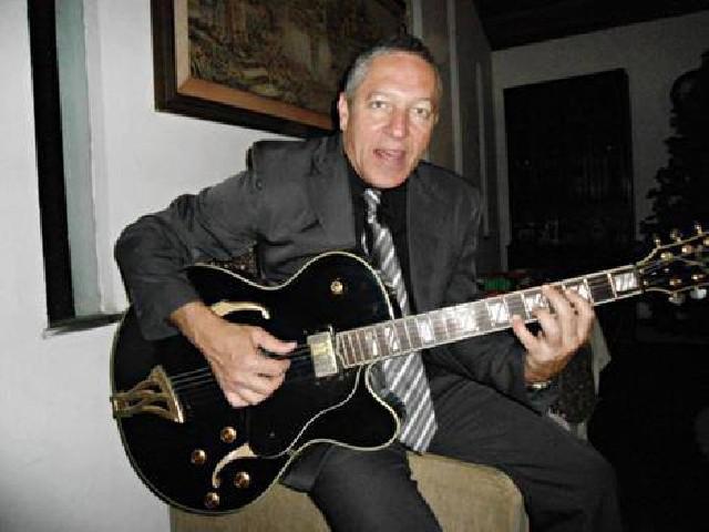Professor de violão guitarra e canto